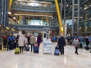 Las 'low cost' transportan a 8,6 millones de pasajeros en el primer trimestre, un 13,9% más