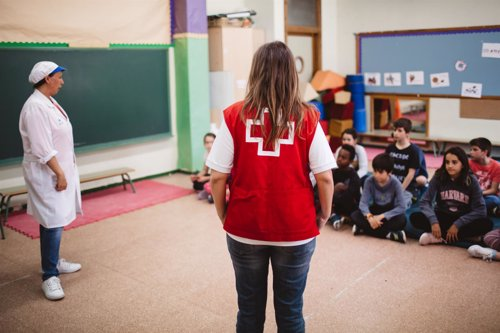 Secoe y Cruz Roja forman a niños en técnicas de compresión ...