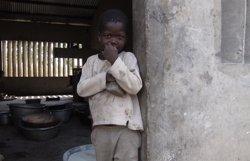Conflictos, alta deuda del colonialismo, debilidad institucional y corrupción, causas de la pobreza en África