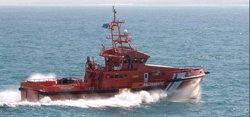 Trasladan a Algeciras y Motril a 79 personas que navegaban en dos pateras