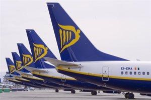 Las 'low cost' transportan a 17,6 millones de pasajeros hasta mayo, un 9,6% más