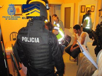 Detenidas 28 personas y desarticuladas dos organizaciones dedicadas al tráfico de menores marroquíes en España