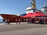 El Ayuntamiento de Valencia ofrece 50 plazas para los migrantes llegados en la flotilla del Aquarius