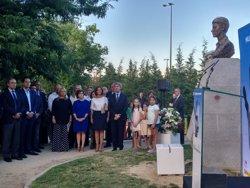 Sáenz de Santamaría rinde homenaje a Miguel Ángel-Blanco con su presencia en un acto en Madrid