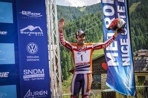 Toni Bou gana en Francia y amplía su liderato en el Mundial de Trial
