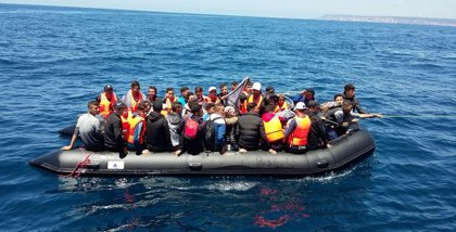 Rescatadas más de 1.200 personas de 49 pateras desde el viernes ante las costas andaluzas