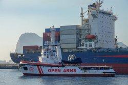 El 'Open Arms' recibe instrucciones de volver a la costa gaditana para revisiones relativas a la tripulación