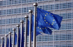 Bruselas quiere que la nueva Frontex cuente con un cuerpo permanente de 10.000 agentes en 2020