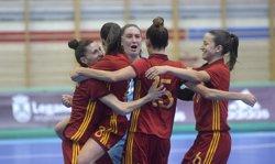 España golea a Rumanía (12-1) en su camino a la primera Eurocopa femenina