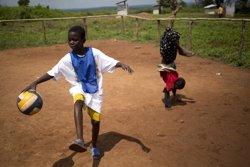 Una ONG lanza un equipo de fútbol en RCA para ayudar a los niños a superar el trauma del conflicto