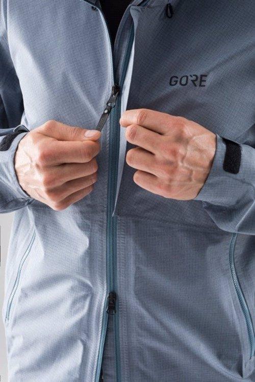Gore lanza la primera colección para senderismo rápido para aventureros 37d9c103fc6