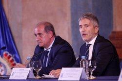 Grande-Marlaska dice que Policía Nacional y Constitución han conformado