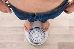 Ante un aumento de peso, el colesterol malo afecta más en personas delgadas que en obesos