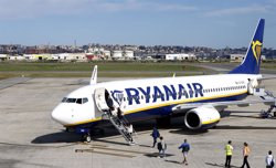 IU cuestiona que Fomento conceda a Ryanair nuevas rutas de vuelo cuando