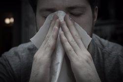 La gripe sigue su ascenso en España con un aumento de casos del 32% en la primera semana del año