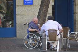 Directores de Servicios Sociales calculan que la subida en Dependencia atenderá a un tercio de la lista de espera
