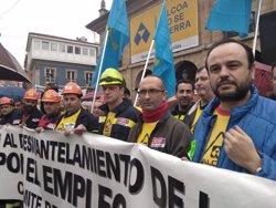 Unas 2.000 personas se movilizan contra el cierre de las plantas de Alcoa y exigen que el Gobierno actúe