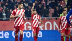 (Crónica) El Alavés suma contra Stuani y el Valencia sigue su calvario