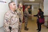 Robles traslada a las asociaciones militares su deseo de aprobar este mes el nuevo plan de conciliación en el Ejército