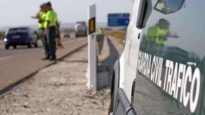 Cuatro heridos, dos de ellos menores, al volcar un turismo en Sedella (Málaga)