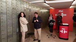 El legado personal de Juan Eduardo Zúñiga, que contiene una pipa o un portaminas, llega al Instituto Cervantes