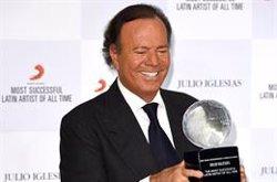 Julio Iglesias, galardonado con el Grammy honorífico a toda su carrera
