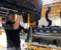 El uso de exoesqueletos en los procesos productivos reduce en un 60% el esfuerzo de los trabajadores