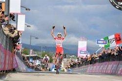 Masnada gana la etapa y Conti la 'maglia rosa' desde la escapada