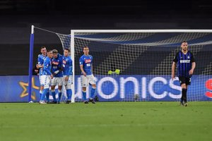 (Crónica) La derrota del Inter en San Paolo aviva la lucha por entrar en 'Champions'