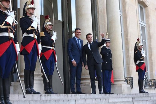 b73436eae9aa Sánchez y Macron coinciden en buscar una alianza progresista que frene a la  ultraderecha