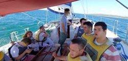 El Puerto de Sotogrande (Cádiz) fomenta la inclusión de personas con diversidad funcional con una escuela de vela