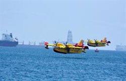 El Gobierno mantiene un helicóptero y cuatro brigadas trabajando en la extinción del incendio de Gran Canaria