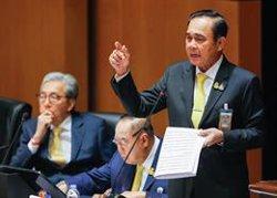 El Constitucional de Tailandia rechaza anular la toma de posesión del general Prayuth como primer ministro