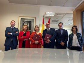 Comunidad y CEDRO firman acuerdo sobre derechos de autor por el préstamo de libros en bibliotecas públicas