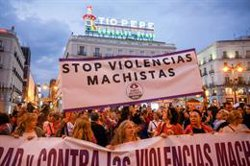 Centenares de personas declaran 'la emergencia feminista' en Madrid al grito de