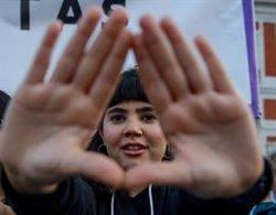 AMP. - Centenares de personas declaran 'la emergencia feminista' en Madrid al grito de
