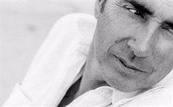 Lluís Llach publicará en 2020 su nueva novela con la editorial Univers