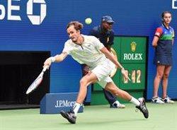 Medvedev destroza a Zverev y conquista Shanghai