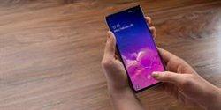 Samsung reconoce fallos en la lectura de la huella dactilar en los Galaxy S10 y Note10 con protectores de silicona