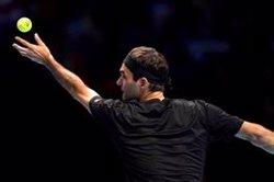 Federer derrota a Berrettini y mantiene sus opciones de alcanzar las semifinales