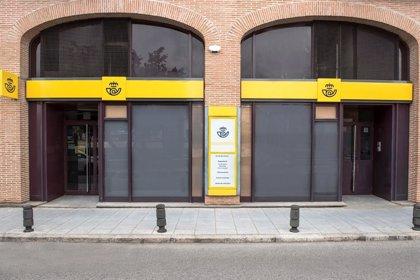 El CERMI exige a Correos que dote de accesibilidad a los sistemas de atención al público de sus oficinas