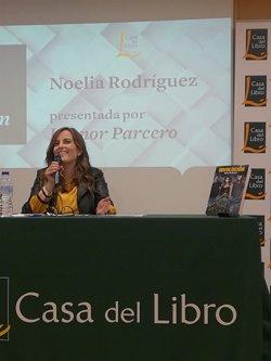 La escritora Noelia Rodríguez evoca el apocalipsis de Madrid con su ópera prima 'Involución'