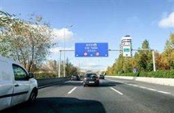 Retenciones en Madrid, Barcelona, Zaragoza, Valencia y Murcia en el inicio del puente de la Constitución