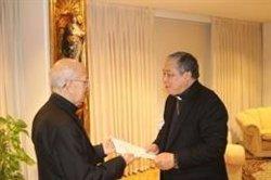 El nuncio del Papa en España entrega sus cartas credenciales al presidente de la Conferencia Episcopal