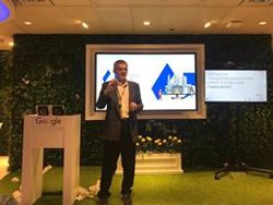 Google explica cómo utiliza la IA para que sus apps mejoren la vida de personas con discapacidad