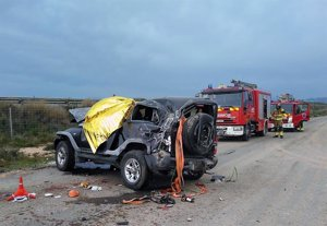 Fallece el conductor de un turismo en un accidente en Fuente Álamo (Murcia)