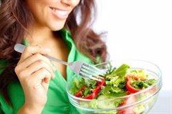 Las dietas 'Realfooding', volumétrica o el ayuno intermitente, las más recomendadas para perder kilos en 2020