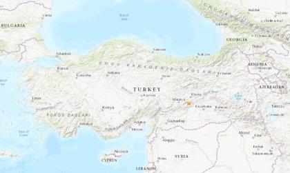 Los heridos por el seísmo en el este de Turquía ya rebasan el millar