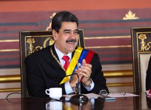 Maduro califica de