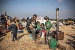 La ofensiva sobre Idlib deja ya más de 800.000 desplazados, el 60% niños
